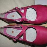 Туфлі балетки нові брендові шкіряні Clarks Оригінал р.6,5 стелька 25,5 см
