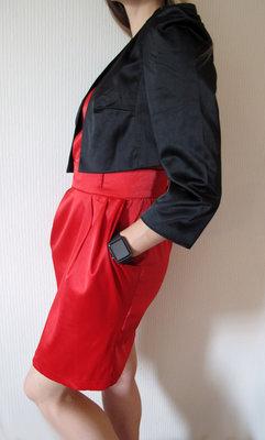 Нарядный комплект платье и мини-жакет.