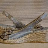 Эффектные серебристые эспадрильи на высокой танкетке Clarks Англия 4 D