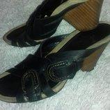 Кожаные шлепанцы, женские фирмы CLARKS . 36 размер