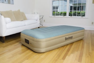 Надувная односпальная кровать Bestway 69005 191х97х36 см