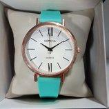 Женские часы Geneva с силиконовым ремешком