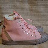 Замечательные нежно розовые высокие замшевые кеды Converse All Star 33,5 22 см. .