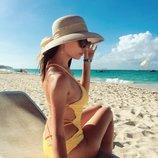 Цельный желтый купальник слитный с красивой спинкой размер См
