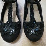 нарядные черные туфельки Next 2-ка.33-34 размер