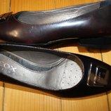 38 разм. Оригинал туфли Geox. Кожа. Очень красивые Длина по внутренней стельке - 24,5 см. - 25 см.,