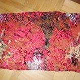 Красивый шелковый шарф в бордовых оттенках