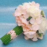 Стильный свадебный букет дублер в нежных тонах из искусственных цветов