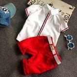 Нарядный летний костюм для мальчика с красными шортами. Стильный комплект Хит продаж