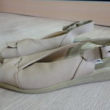 Босоножки walk easy кожа р. 36 ст. 23,5 см.