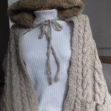 шарф с карманами и капюшоном