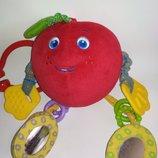 Tiny Love погремушка яблоко с червячком игрушка развивалка грызун грызунок