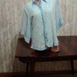Очень красивая голубая гипюровая нарядная блуза р-р58.
