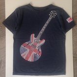 Супер стильная футболка Next 5-6-7 лет. Майка, реглан, шорты, панамка, кепка.