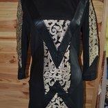 платье с вышитым золотистым кружевом От ZUHVALA