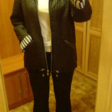 Замечательная Куртка черная с белыми полосками р 46, 48, 50, 52