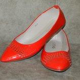 Балетки туфли новые красные размер 39.