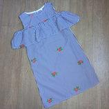 Платье прямое с воланом, с вышивкой. на рост 128-140