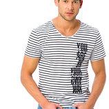 белая мужская футболка LC Waikiki / Лс Вайкики в черные полоски с надписью на груди