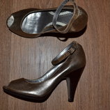 Р. 38 - 24,5 см. River Island Деловые, нарядные туфли с открытым носком фирменные оригинал
