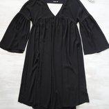 Платье Boohoo длинное, расклешенное от груди, рукава клёш, супер свободное