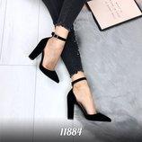 Женские черные замшевые туфли на каблуке