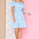 Легкое дневное платье в стиле Бохо с рюшей по горловине