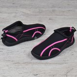 Акваобувь женская для плавания тапочки для кораллов и моря черные с розовым