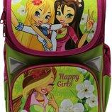 Много видов. Школьный рюкзак или комплект с пеналом и сумкой для сменной обуви. Набор школьника