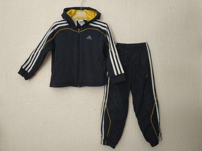 74eb5aac Фирменный костюм Adidas на 4-5лет. Оригинал: 280 грн - спортивные ...