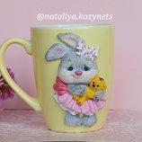 Чашка с декором полимерной глиной Зайка .Кружка с дккором полимерной глиной Зайка .