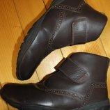 42 разм. Стильные ботинки унисекс. Кожа. Германия Длина по внутренней стельке - 27,5 см., ширина п