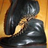 42 разм. Фирменные ботинки Lider. Кожа. Made in Italy Длина по внутренней стельке- 28,5 см., ширина