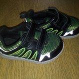 Кожаные кроссовки Clarks 13,5 см, р.4,5 F