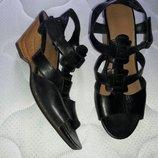 Босоножки кожаные clarks 39-40 размер