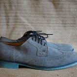 Очень красивые замшевые дерби-броги серо-голубого цвета. SMH shoes