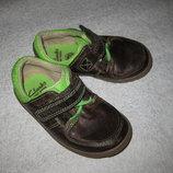 13,5 см стелька, кожаные деми туфли Clarks ботиночки для маленьких ножек
