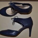 Р. 39 - 25,5 см. Marks & Spencer. Туфли на шпильке женские, деловые, нарядные фирменные оригинал