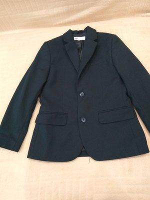 Продам в идеальном состоянии,фирменный H&M, комплект ,6-8 лет.