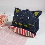 Детская джинсовая кепка для девочки с ушками котика козырек загибается вверх.