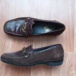 Туфли с отделкой р.39.