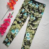 Стрейчевые зауженные брюки джинсы скинни в тропический принт Zara оригинал.