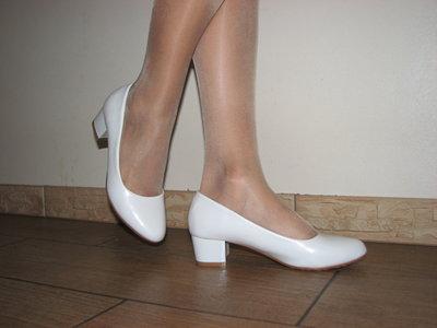b70f718a87c7 Матовые белые туфли на маленьком каблуке 4,5 см 36 37 38 39 40 41 ...