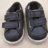 Продам в идеальном состоянии,фирменные Nike,кожаные кроссовки 20 р.