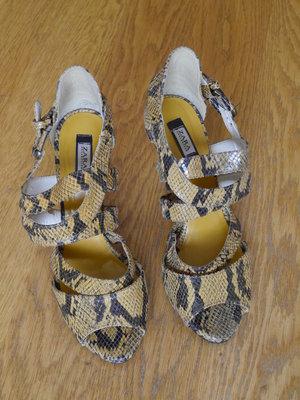 Босоніжки рептилія розмір 40 стелька 26,5 см кожзам Zara