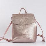 Кожаный рюкзак-сумка трансформер с теснением змеиной кожи Питон Bright Pink