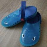 Crocs шлепки летние акула. На пляж, во двор