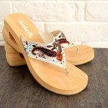 Стильные шлепки на платформе с вышивкой Skechers US9 EUR 39 в отличном состоянии