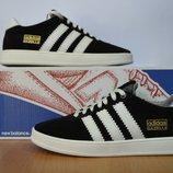 Кроссовки Adidas Gazelle.