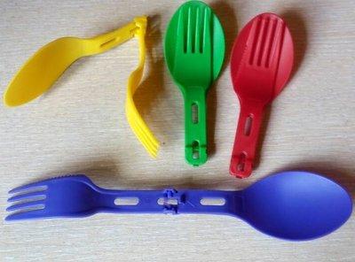Комбинированный прибор из пищевого пластика «три в одном»